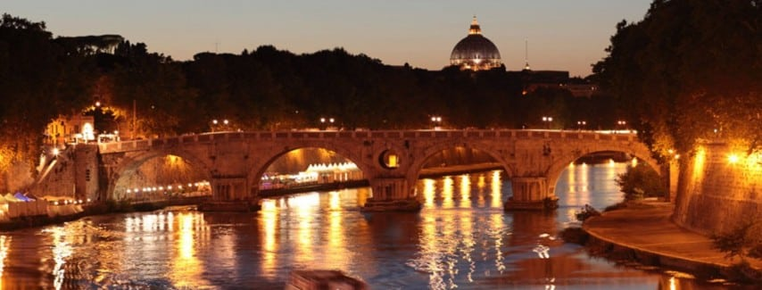 Tiber river night markets